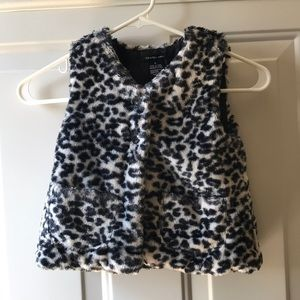 Girls puffy black and white Calvin Klein vest